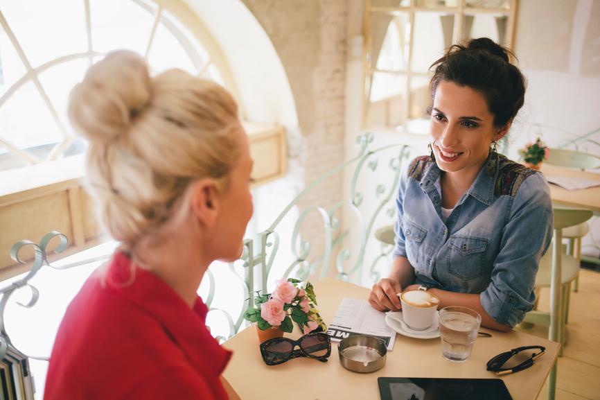 Women talking in a cafe